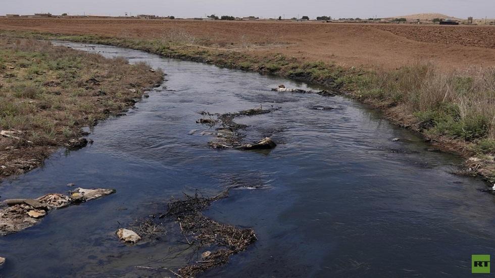 نهر من نفط.. كارثة طبيعة من صنع البشر شمال شرق سوريا (صور)