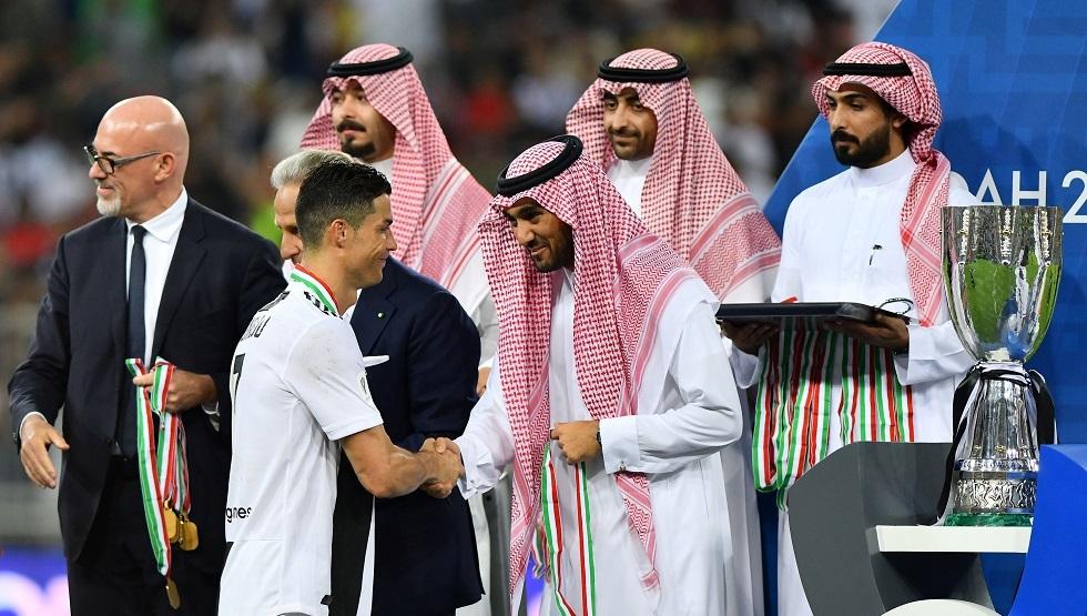 هل يعود رونالدو إلى السعودية؟