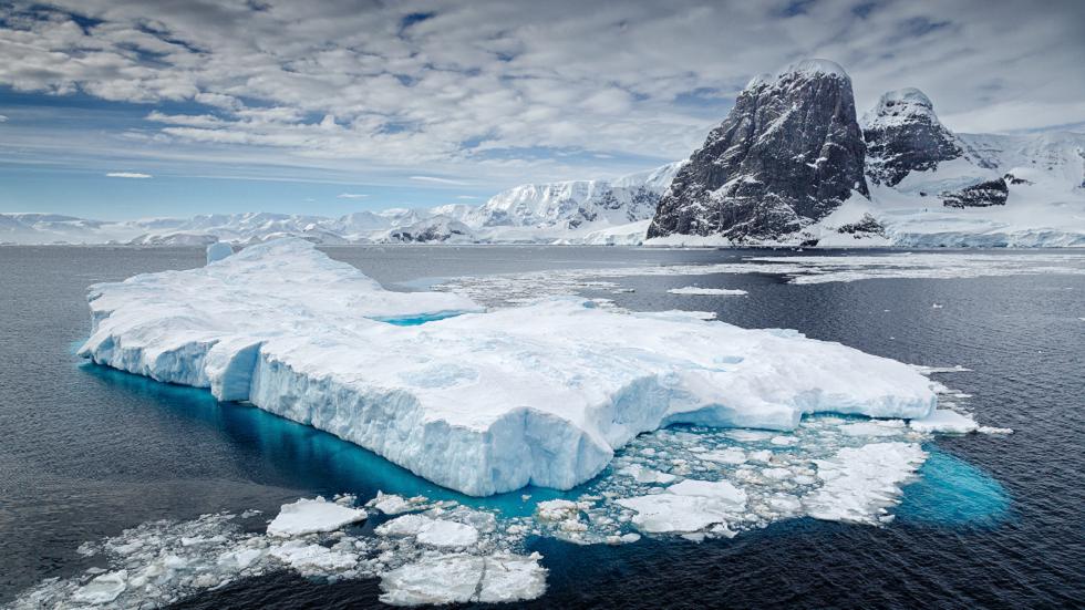 المياه الجليدية الذائبة في غرينلاند تطلق كميات هائلة وسامة من الزئبق في الأنهار القريبة