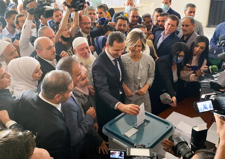 الأسد للغرب عقب الإدلاء بصوته في دوما: قيمة آرائكم عن الانتخابات السورية صفر