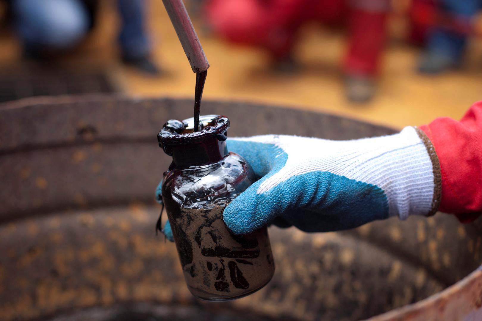 نوفاك: عجز سوق النفط يقدر بنحو مليون برميل يوميا