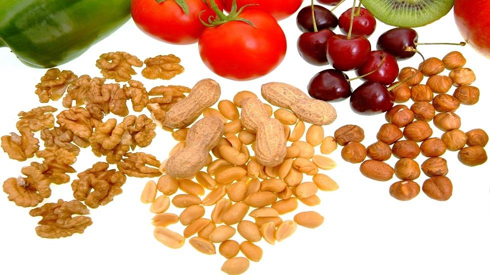طبيبة تكشف عن المواد الغذائية المفيدة والضارة للقلب
