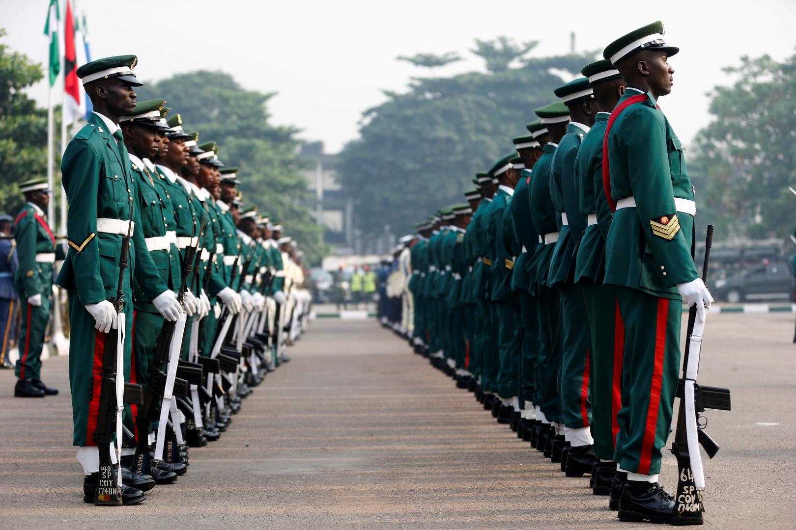 رئيس نيجيريا يعين قائدا جديدا للجيش