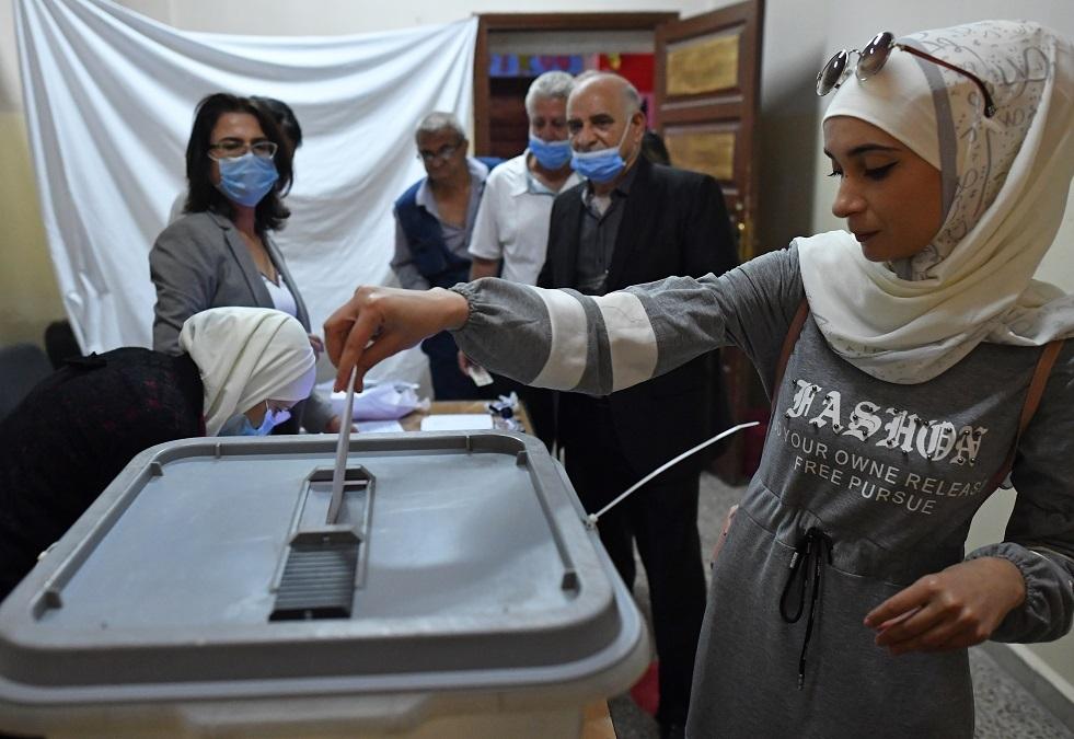 واشنطن وأنقرة والاتحاد الأوروبي لم يعترفوا بنتائج التصويت في سوريا ووصفوها بـ