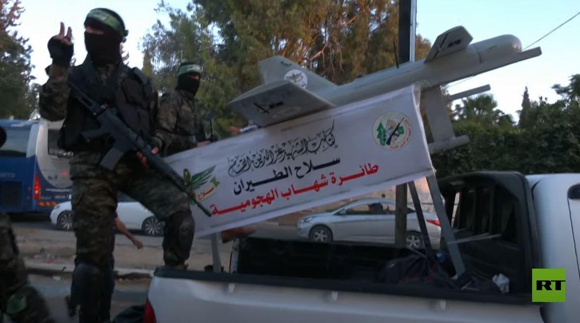 كتائب القسام تقيم عرضا عسكريا في خان يونس