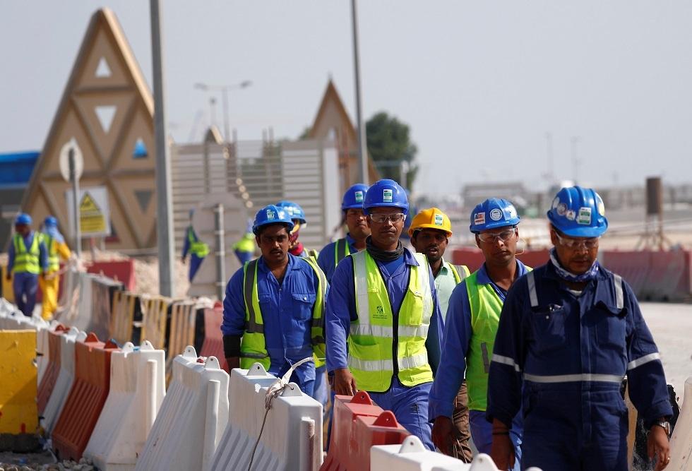 منظمات حقوقية تطالب قطر بالإفراج عن كيني أوقف بعدما تحدث عن ظروف العمال