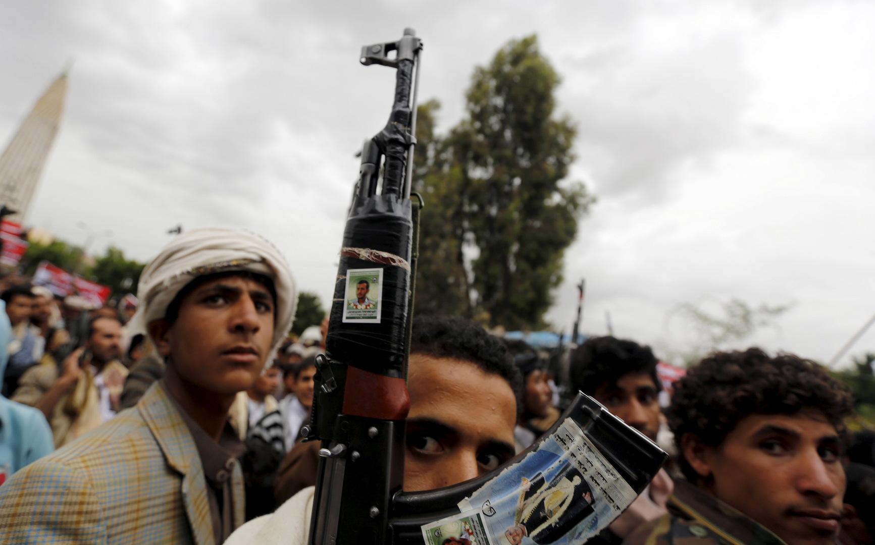 الحوثيون يعلنون السيطرة على مواقع في محور جيزان ومقتل عدد من جنود التحالف