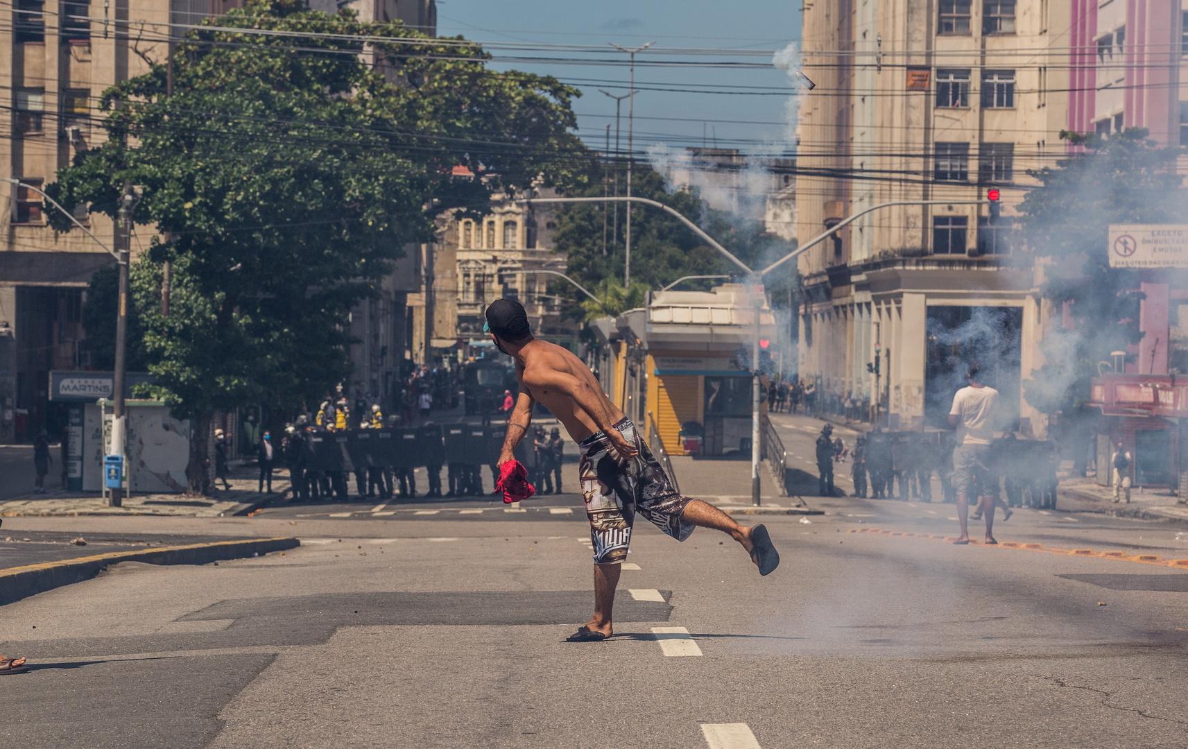 اتساع رقعة الاحتجاجات الشعبية على حكومة بولسونارو في البرازيل