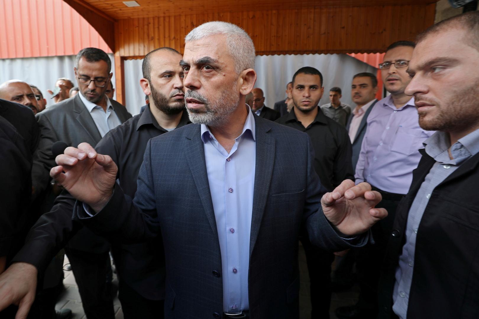 السنوار: حماس كانت مستعدة لوقف النار فورا ولو امتلكنا صواريخ دقيقة لوجهناها للمواقع العسكرية حصرا