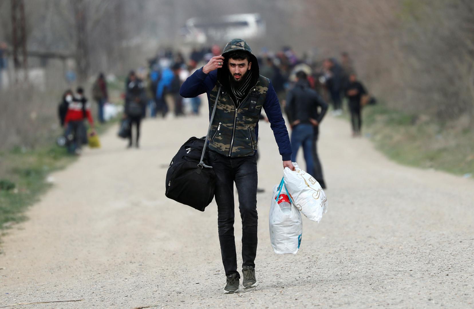 البمهاجرون إلى أوروبا عبير الحدود التركية اليونانية