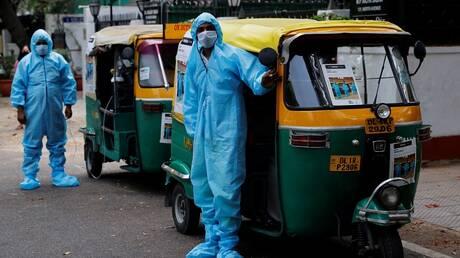 """الهند.. تحول عربات الـ""""توكتوك"""" في نيودلهي لسيارات إسعاف تنقل مصابي كورونا"""