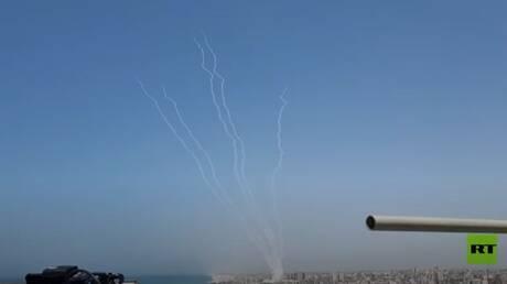 إطلاق صواريخ من غزة تزامنا مع الغارات الإسرائيلية