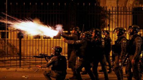 """مراسلتنا: الجيش الإسرائيلي يشن حملة اعتقالات لعناصر """"حماس"""" بالضفة الغربية"""