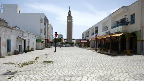 تونس تخطط لإعادة فتح اقتصادها رغم الضغوط على المستشفيات