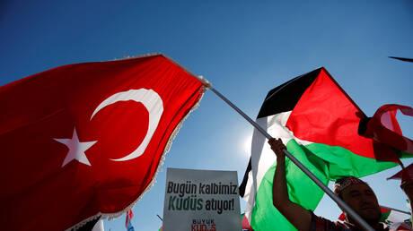 """حزب تركي يحذر من حرب """"عالمية أو إقليمية"""""""