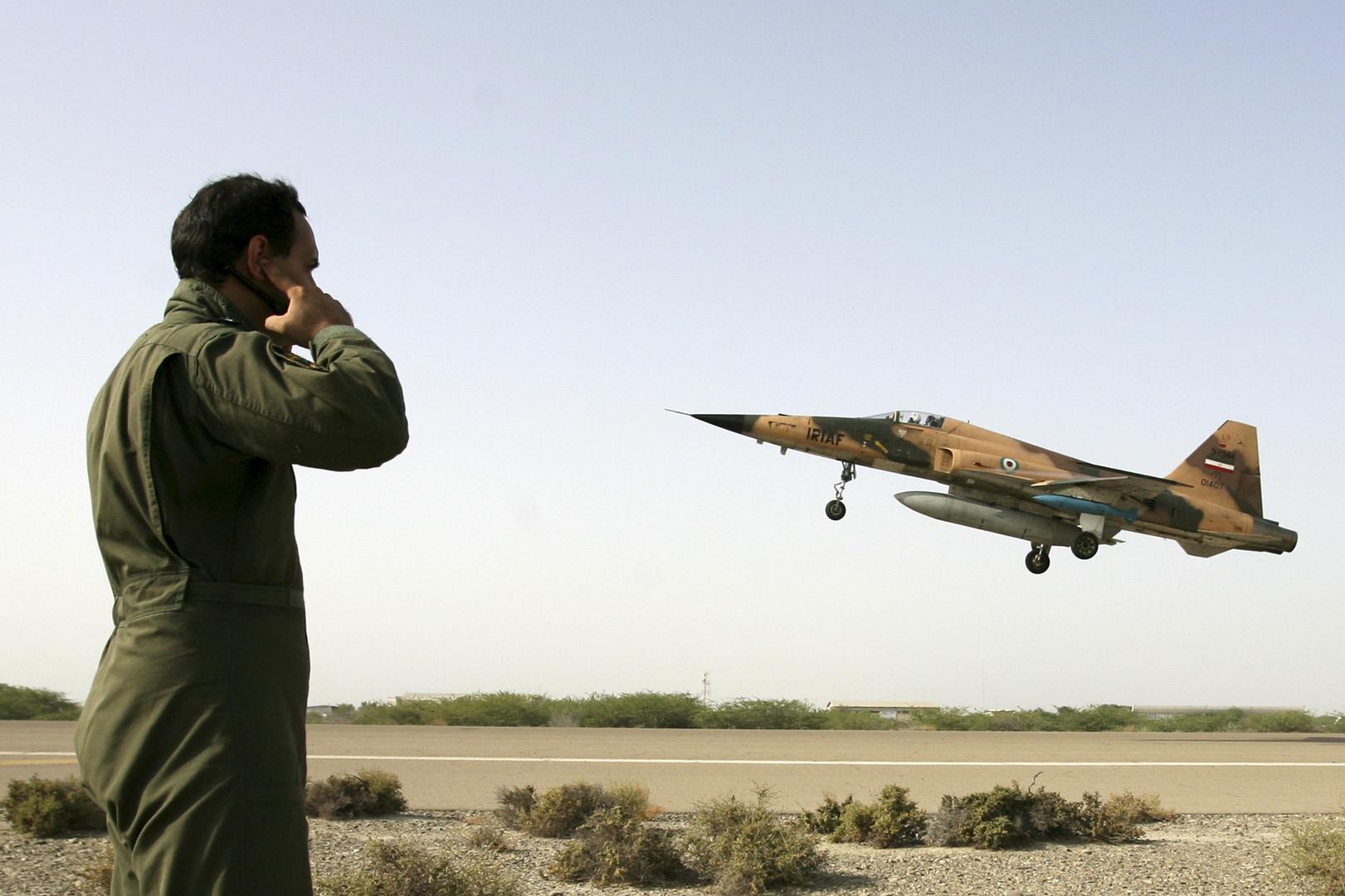 مراسلنا: مقتل طيارين اثنين في تحطم مقاتلة إيرانية من نوع