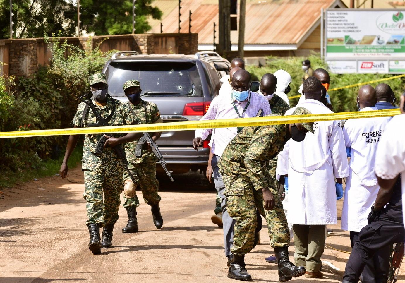 أوغندا.. مسلحون يقتلون ابنة وزير وسائقه في محاولة لاغتياله
