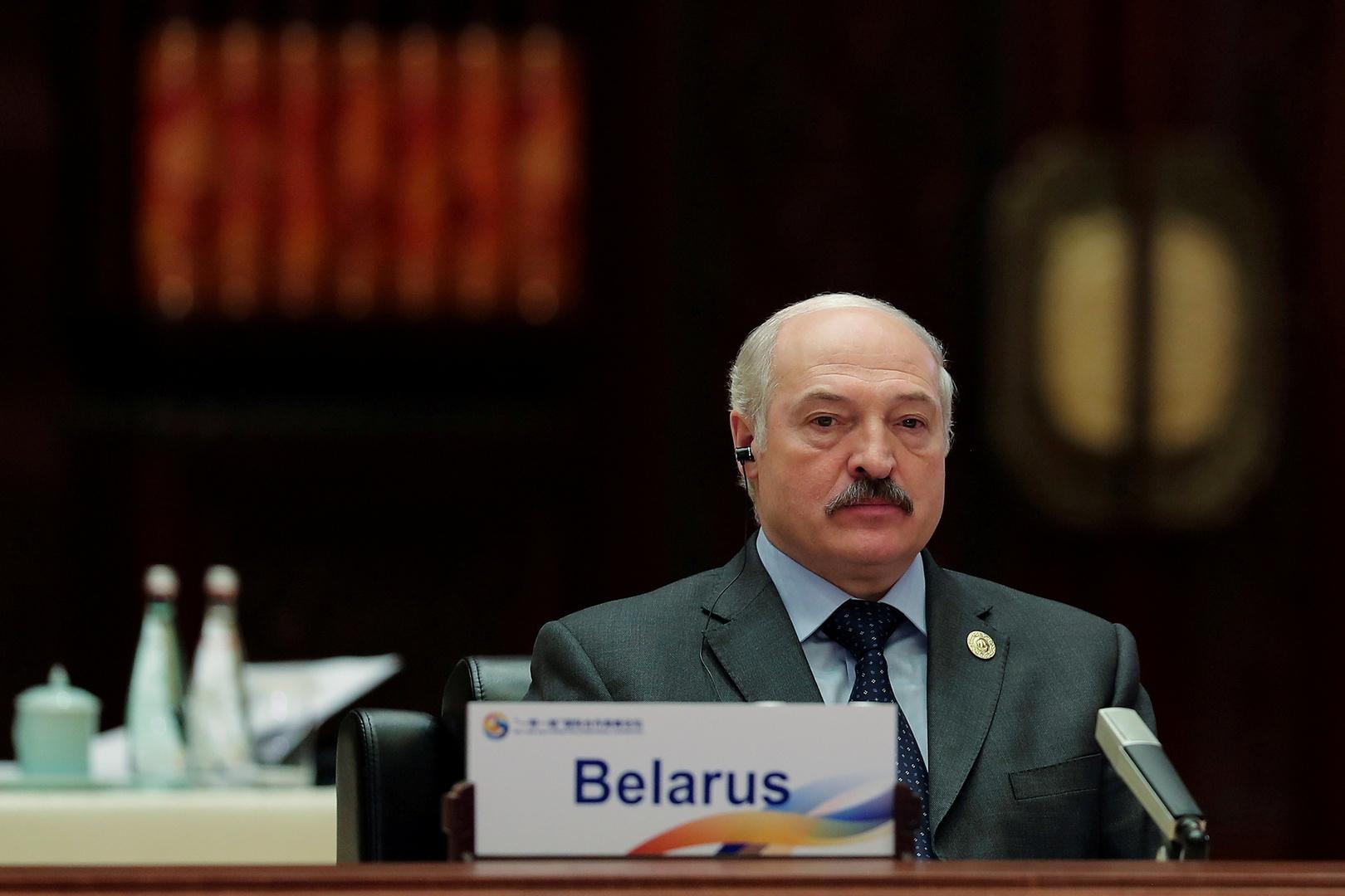 الرئيس البيلاروسي: الغرب سيخسر أكثر من قرار تعليق الطيران عبر الأجواء البيلاروسية
