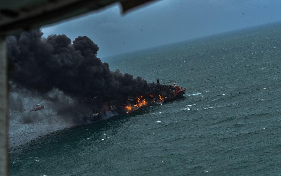 بعد 13 يوما من اندلاعه.. إخماد حريق في سفينة حاويات قبالة سريلانكا