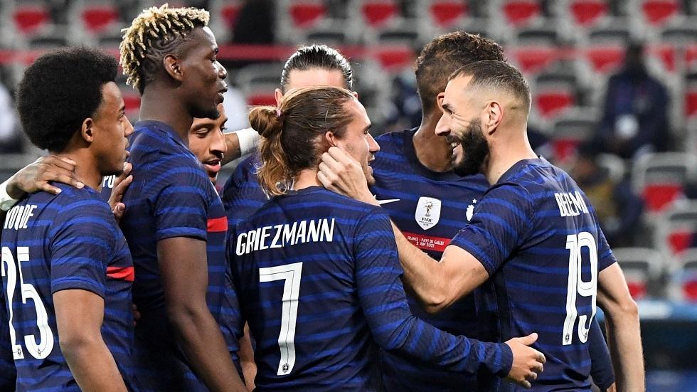 فرنسا تقسو على ويلز بثلاثية.. وبنزيما يهدر ركلة جزاء بمشاركته الأولى مع