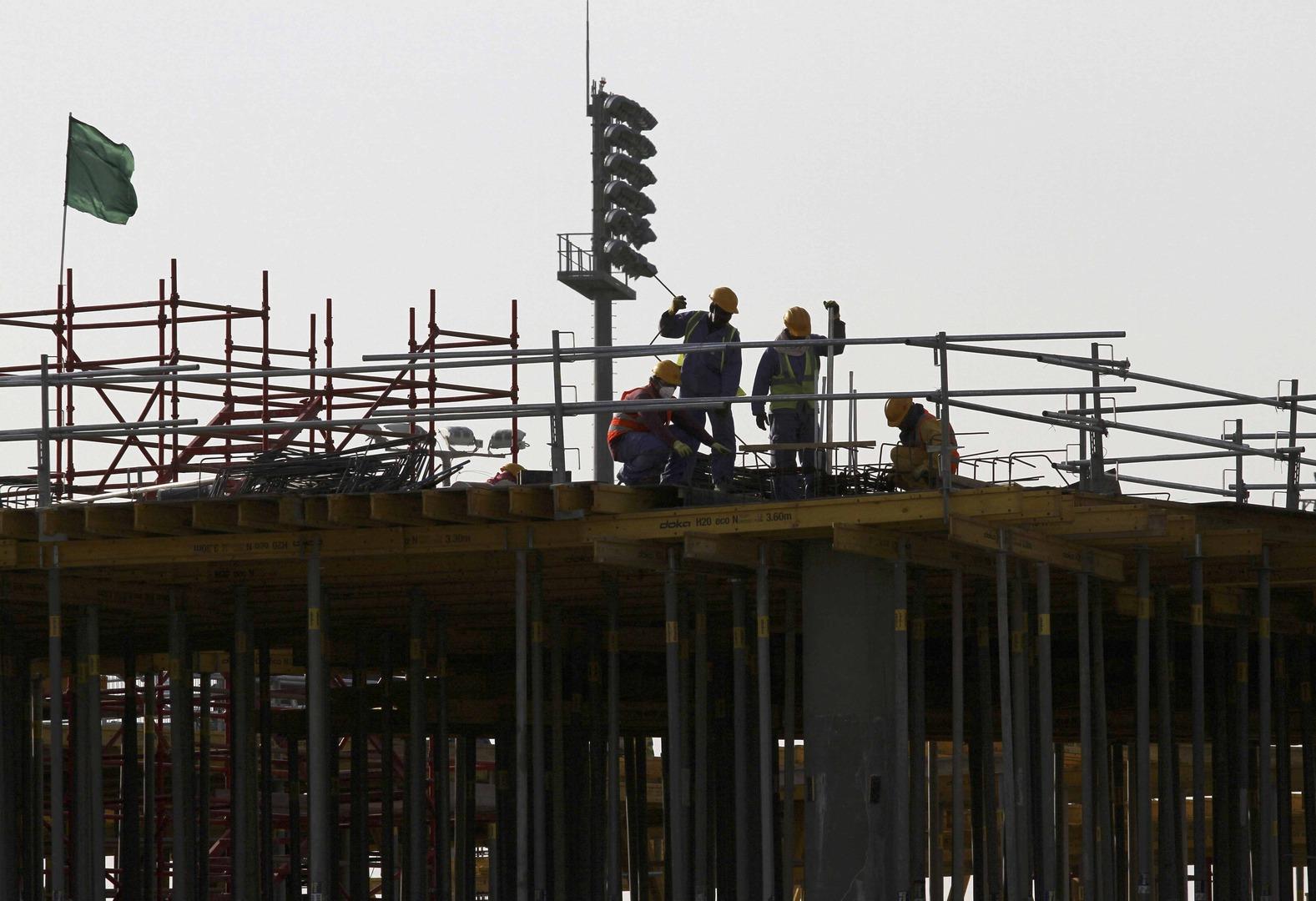 الدوحة تفرج عن عامل كيني متهم بنشر