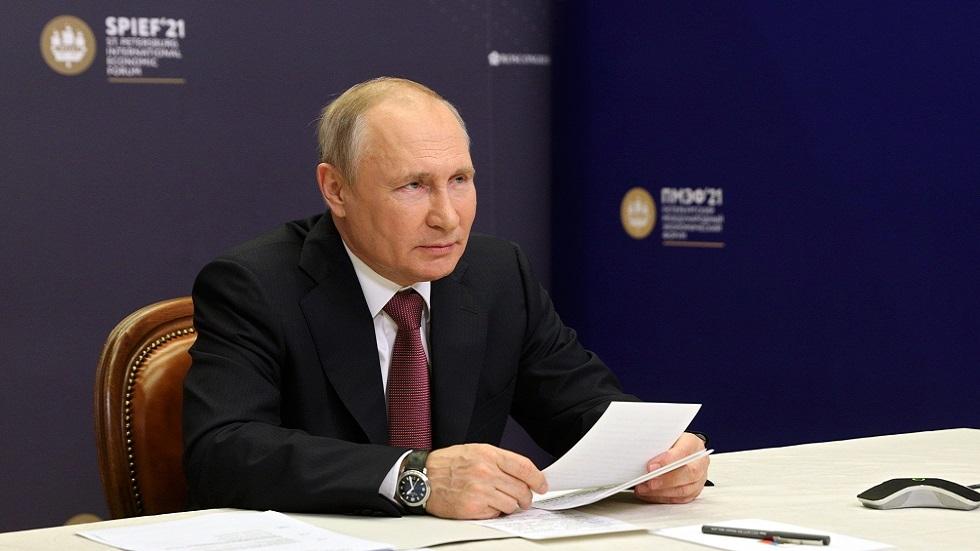 بوتين يؤكد دعم الحكومة الروسية لقطاع الأعمال