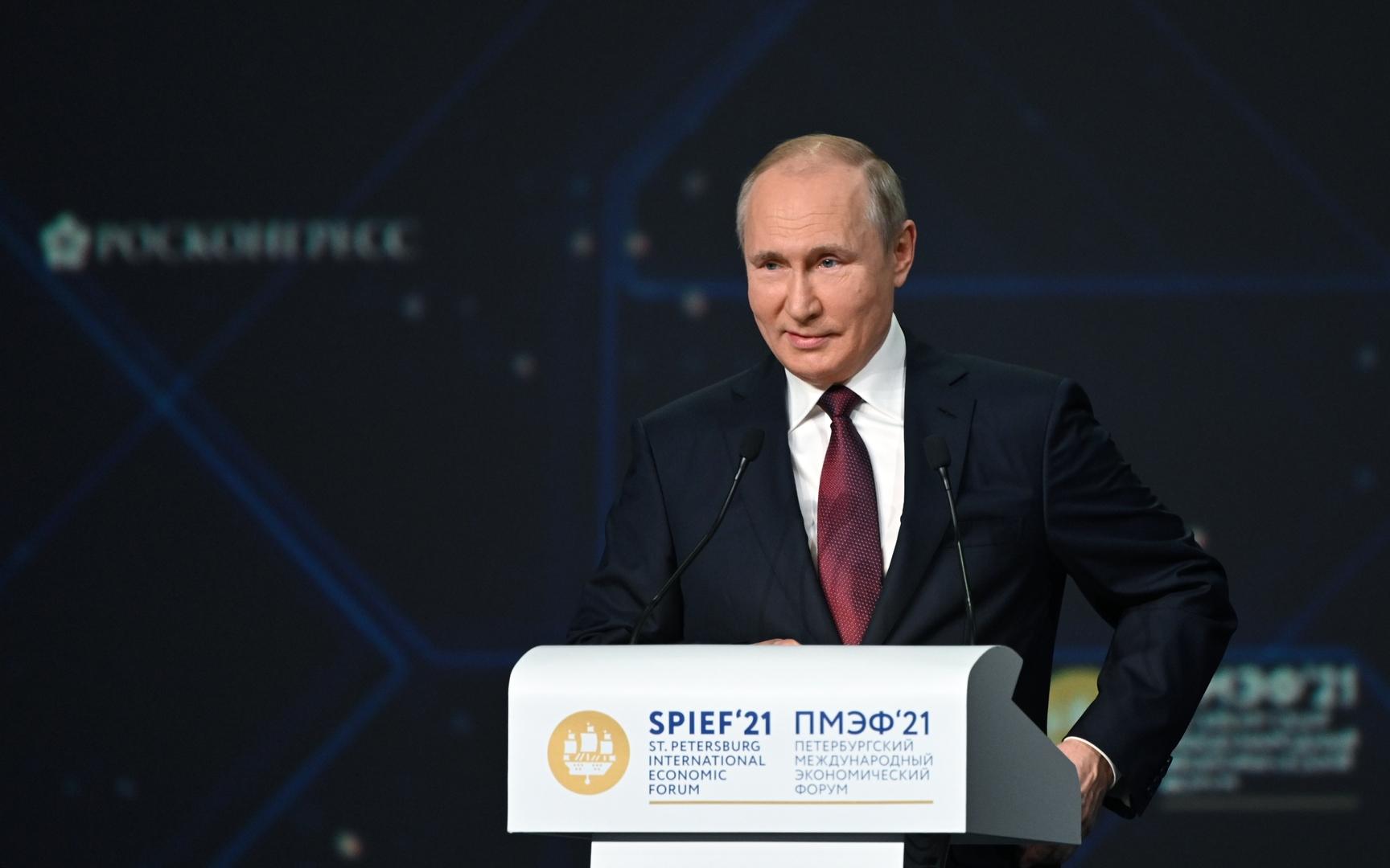 بوتين: البطالة في روسيا صعدت والدخل تراجع لكن لم تحدث كارثة