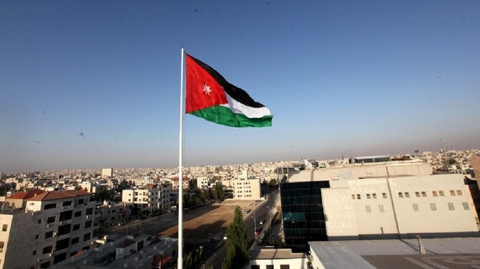 الأردن.. إصابات بين أفراد الأمن في هجمات مسلحة استهدفت الشرطة قرب طريق مطار الملكة علياء