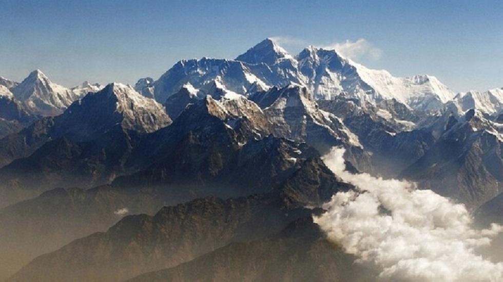 جبل إيفرست - أرشيف