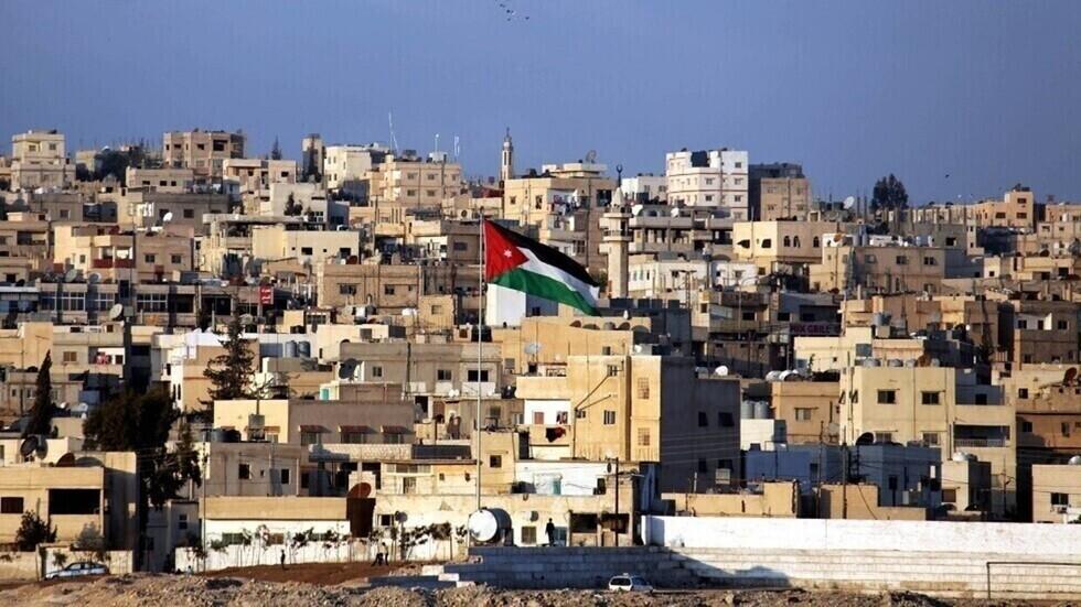 مصدر أمني أردني: السلطات تتعامل حاليا مع أعمال شغب وإطلاق أعيرة نارية في لواء ناعور بالعاصمة عمان