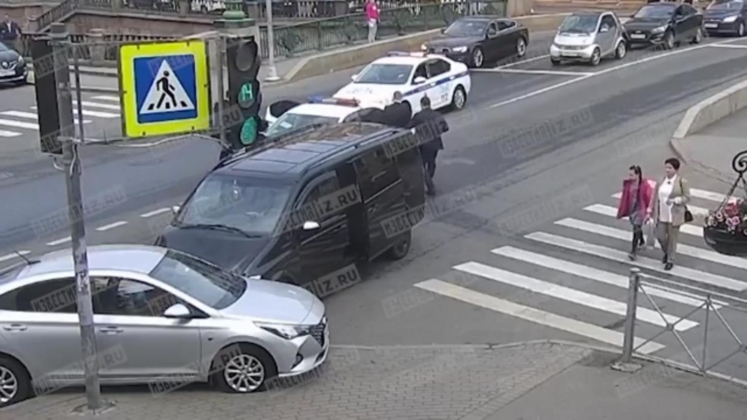 حادث سير في بطرسبورغ بمشاركة سيارة الوفد القطري