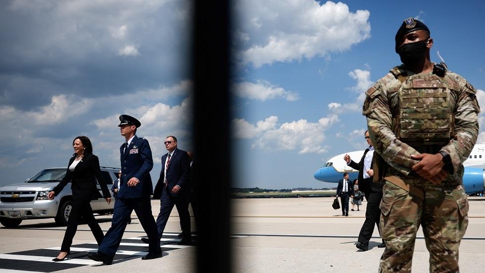 في أول زيارة خارجية لها.. عطل بطائرة نائبة الرئيس الأمريكي يضطرها للعودة
