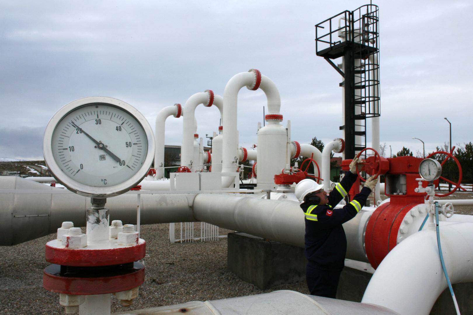 وزير الطاقة التركي يكشف عن خطة استثمار احتياطيات الغاز في البحر الأسود
