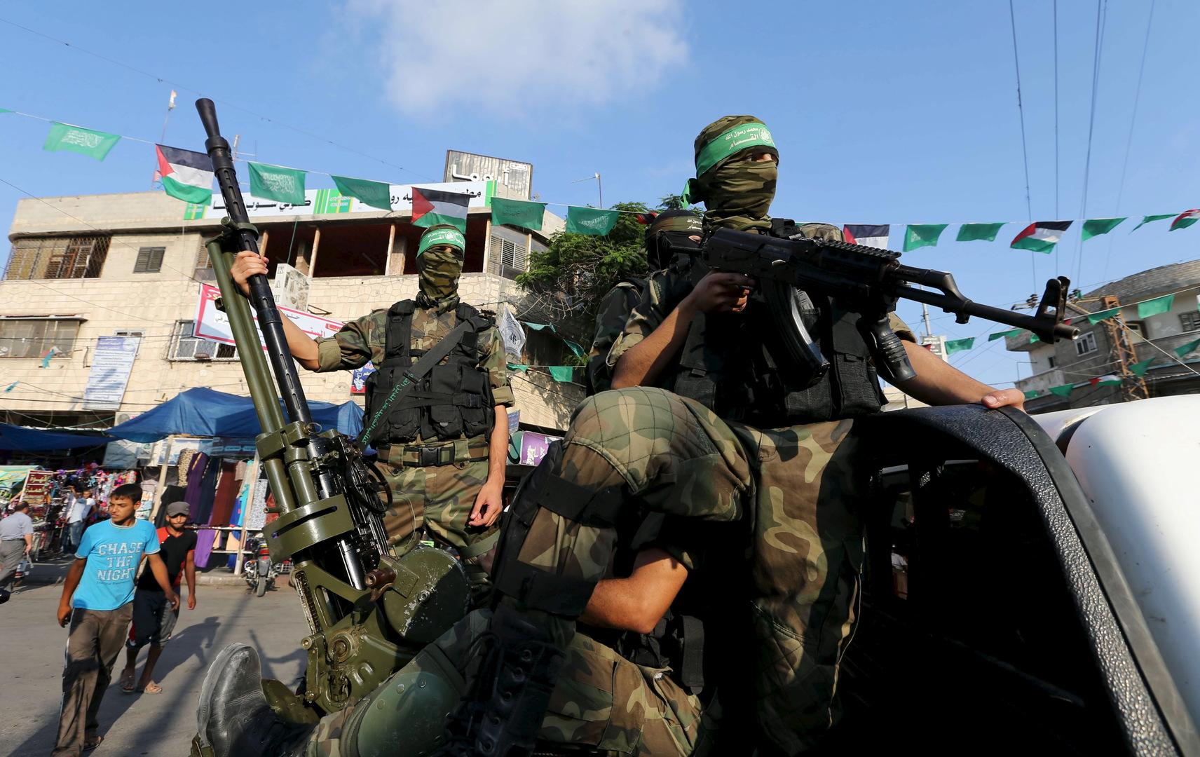 والدا الأسيرين الإسرائيليين الأحياء في غزة ينفيان أن يكون ما بثته