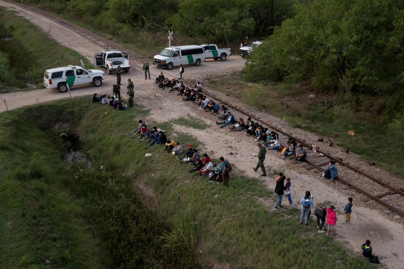 المهاجرون طالبو اللجوء في لا جويا ، تكساس