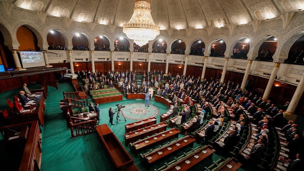 بعد وفاة مواطنة رفض المستشفى العسكري إيواءها.. نائب بالبرلمان التونسي يطالب وزير الدفاع بالاستقالة