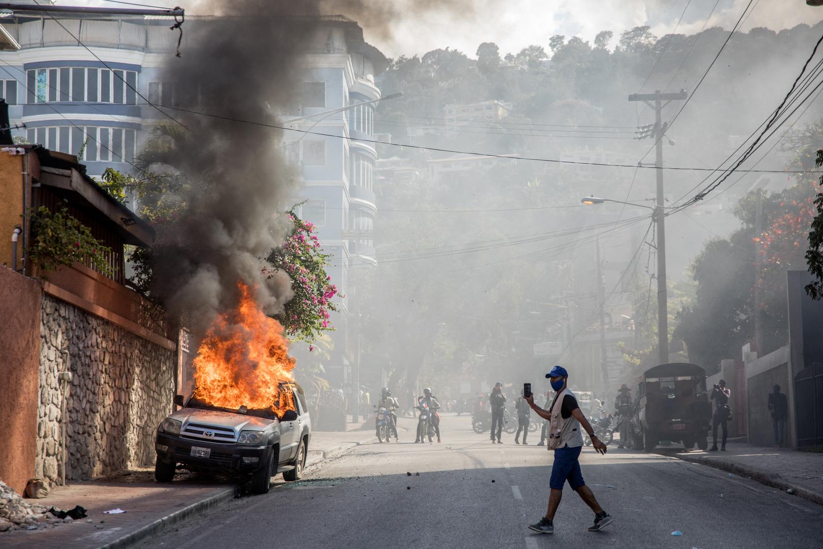 هايتي.. عصابات تقتحم مراكز الشرطة للاستيلاء على الأسلحة