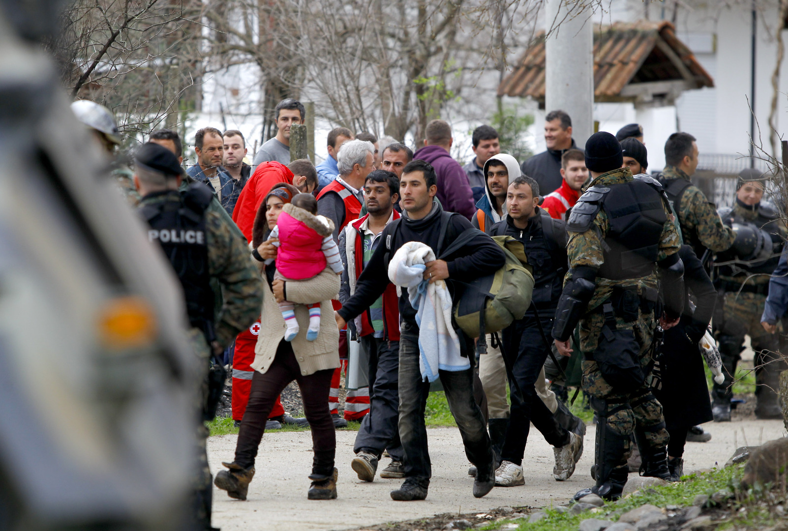 يشمل السوريين.. اليونان تعلن عدم قبول طلبات لجوء القادمين عبر تركيا