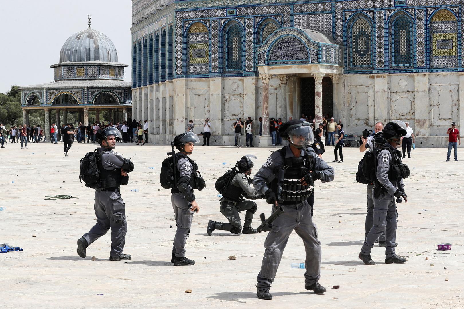 الشرطة الإسرائيلية تعتقل فلسطينيا يوزع عصير