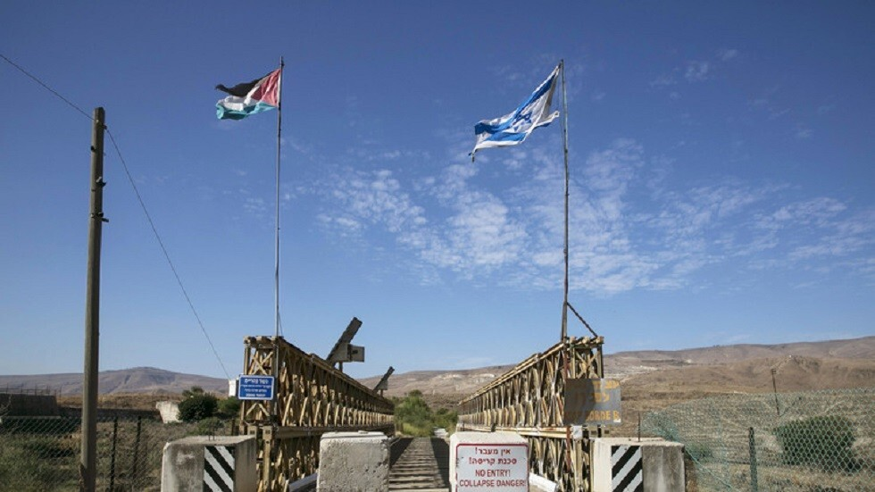وسائل إعلام عبرية: إصابة جندي إسرائيلي في اشتباك مسلح بين دوريتين أردنية وإسرائيلية
