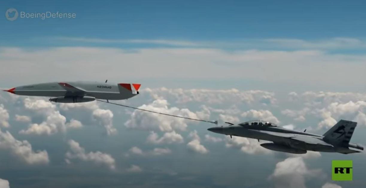 لأول مرة في تاريخ الطيران.. طائرة مسيرة تزود مقاتلة بالوقود جوّا