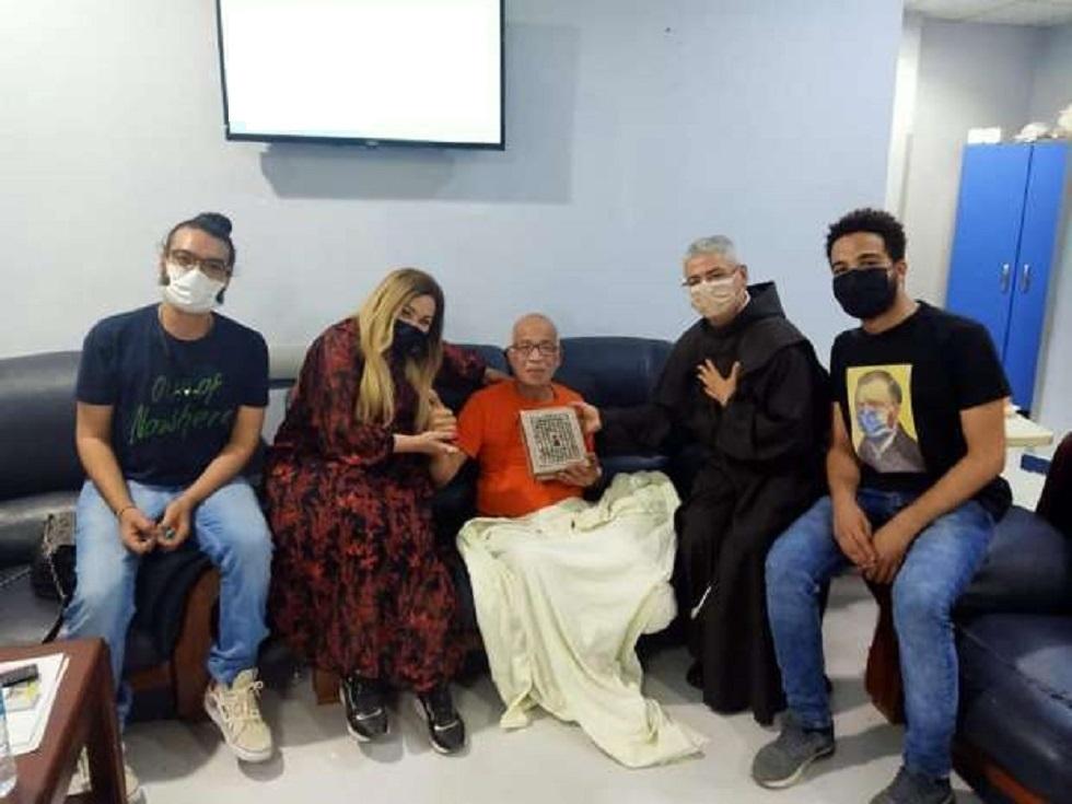 الفنانالمصري شريف دسوقي بعد بتر قدمه: