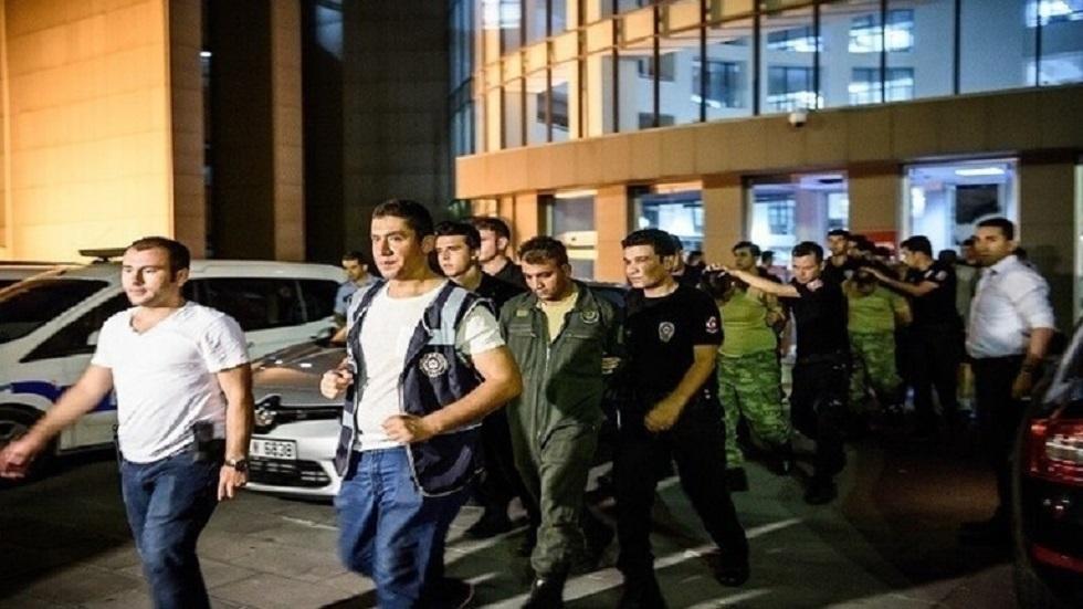 تركيا.. اعتقال 40 طالبا عسكريا من أتباع غولن المعارضين لأردوغان