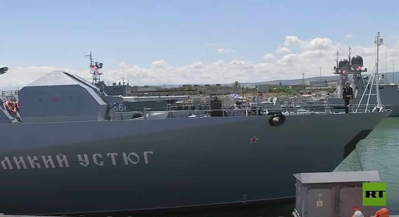 وزير الدفاع الروسي يتفقد سير عملية بناء قاعدة جديدة لأسطول بحر قزوين