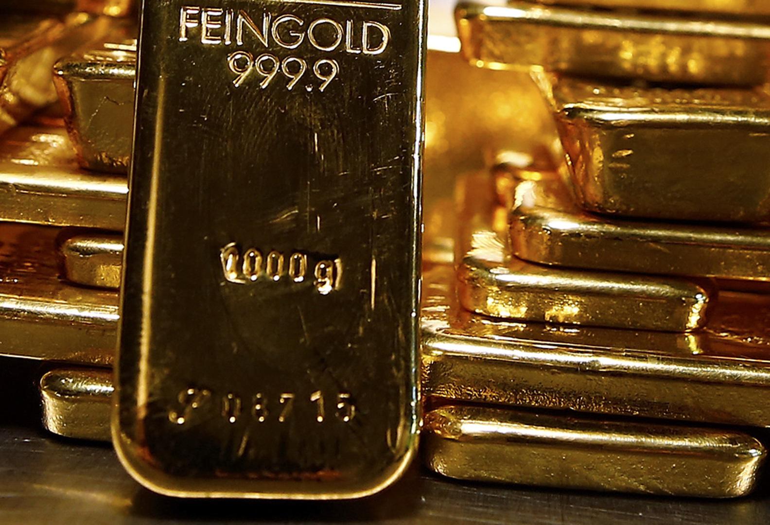 الذهب فوق مستوى 1900 دولار