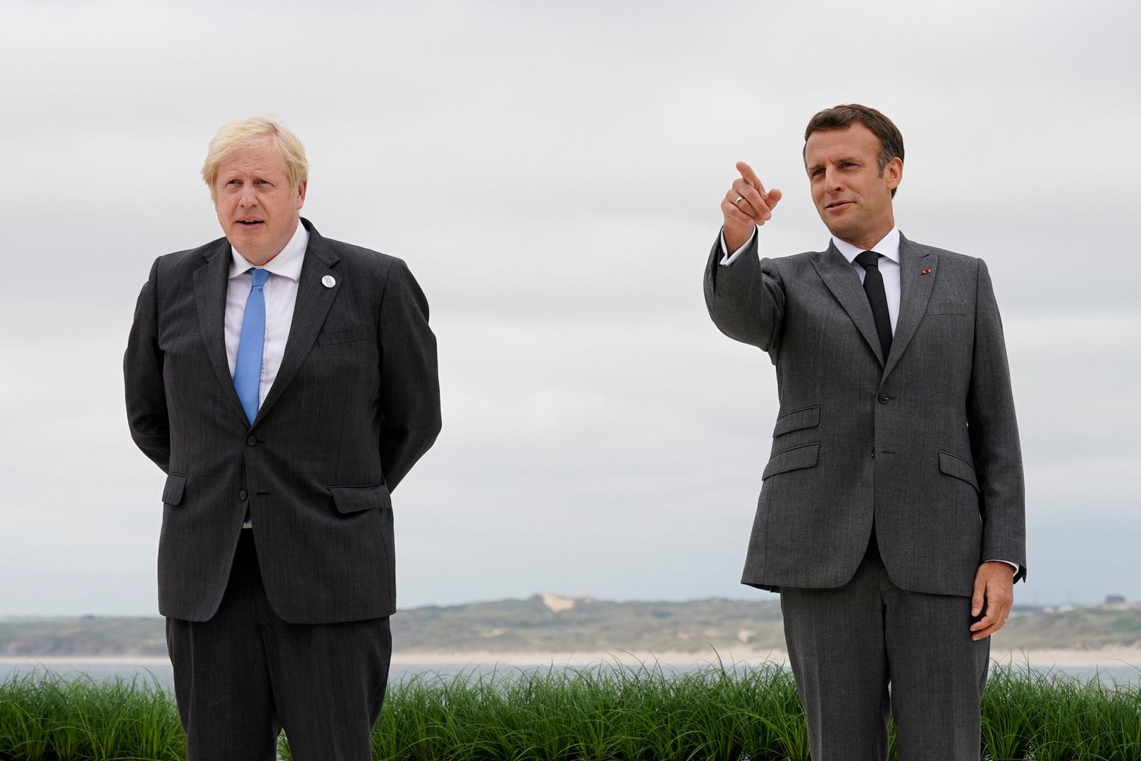 الرئيس الفرنسي إيمانويل ماكرون ورئيس الوزراء البريطاني بوريس جونسون