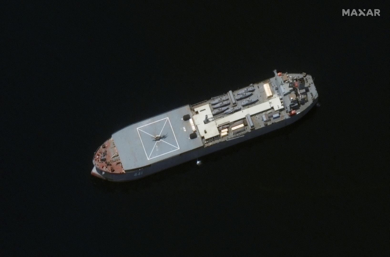 سفينة مكران الحربية الإيرانية.