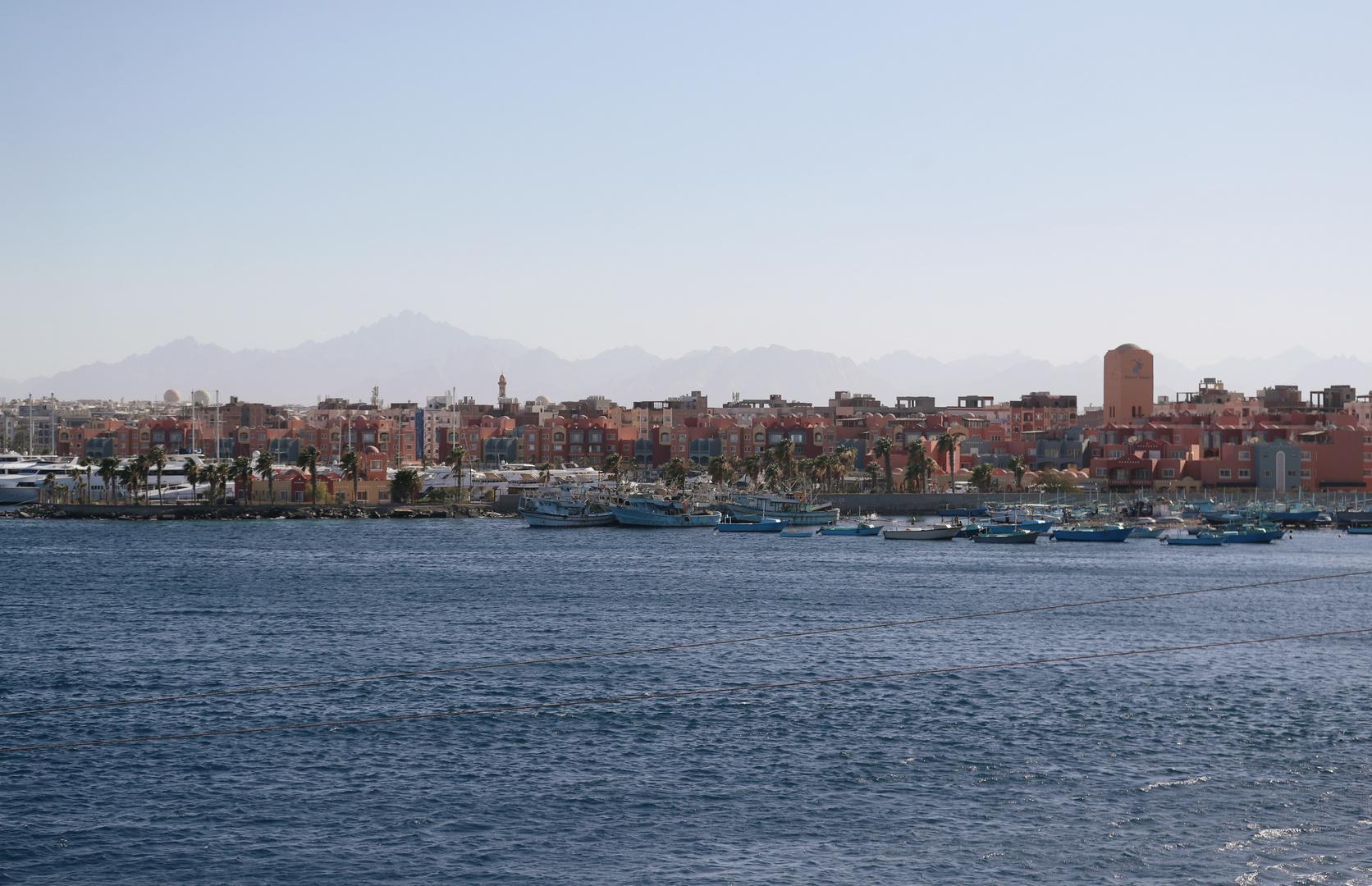 مصر..إغلاق ميناء الغردقة البحري بسبب سوء الأحوال الجوية