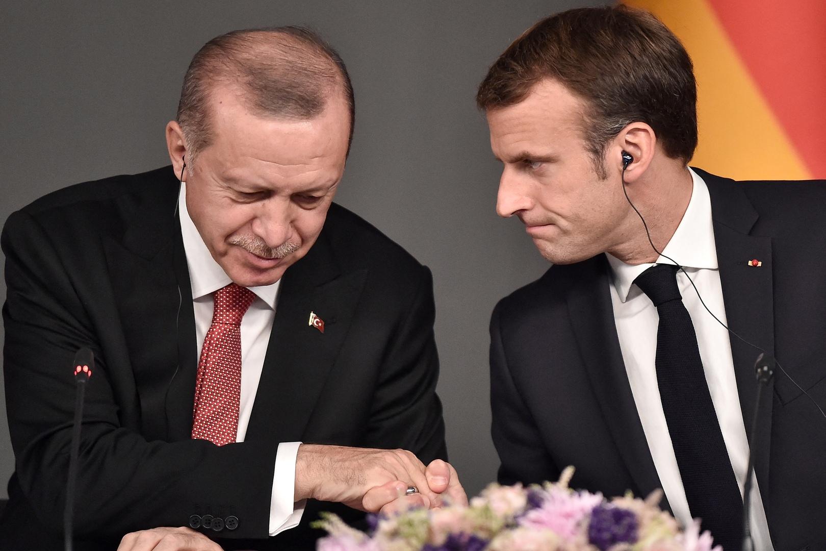 محادثة أطول من المقرر بين ماكرون وأردوغان
