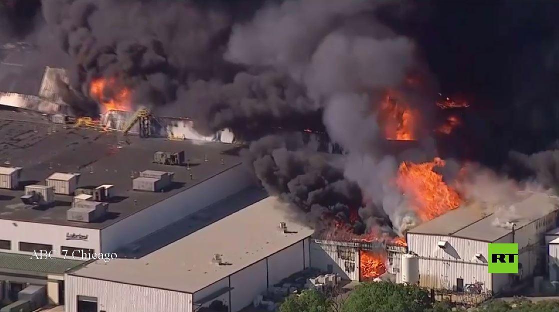 بالفيديو .. حريق بعد انفجار بمصنع كيميائي في الولايات المتحدة